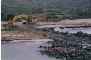 Domus de Maria, Piscinnì, demolizione degli abusi edilizi (1999)