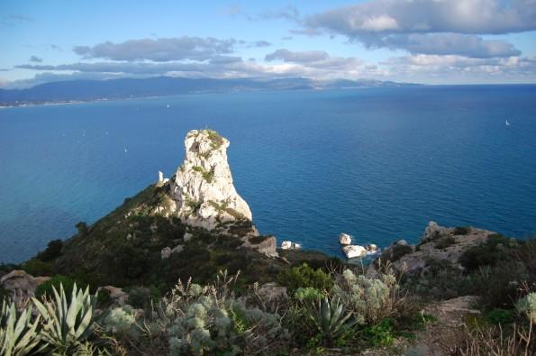 Cagliari, la Sella del Diavolo si protende verso il Golfo degli Angeli