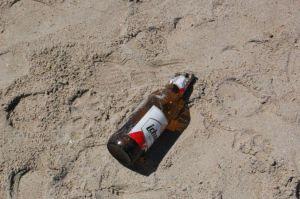 """Cagliari, spiaggia del Poetto, testimonianze della """"civiltà"""""""