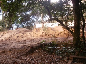 San Vincenzo, costruzioni sulle dune
