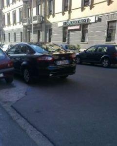 Cagliari, auto blù