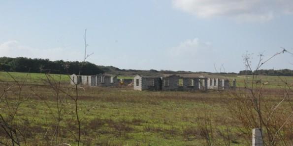 Cabras, rustici edilizi nel Sinis