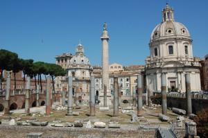 Roma, Colonna Traiana e Chiesa del SS. Nome di Maria al Foro Traiano