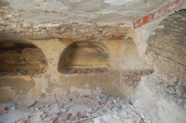 Tuvixeddu, tombe romane ad arcosolio in degrado