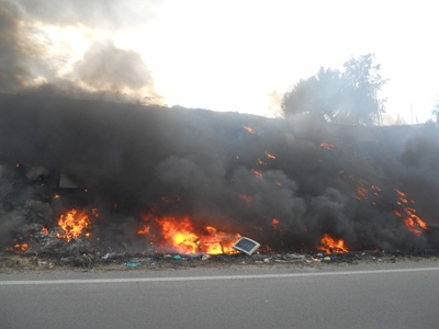 Cagliari, incendio di rifiuti presso il campo nomadi (2011)