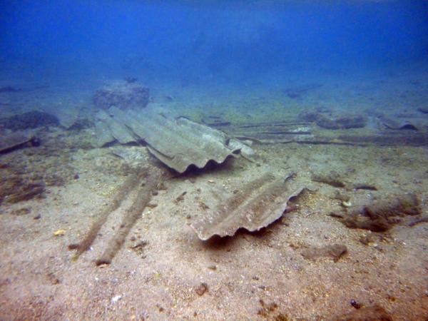 La Maddalena, ex Arsenale, fondale marino con lastre di amianto