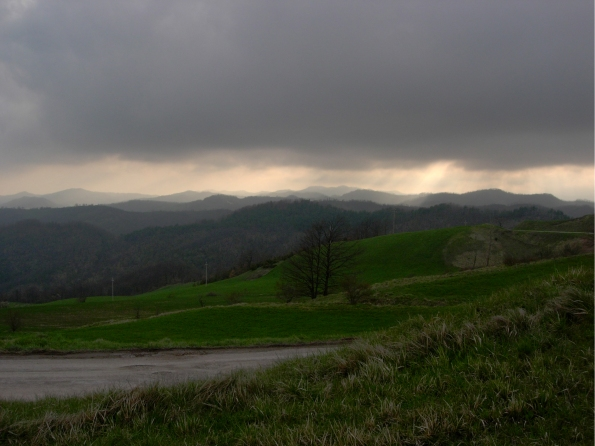Appennino Umbro-Marchigiano, Monte Macinara e Monte dei Sospiri