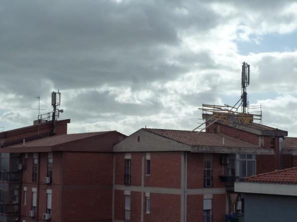"""Cagliari, Pirri (Is Bingias), il """"palazzo dei ripetitori"""""""