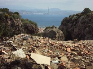 Carloforte, Laveria, scarico incontrollato di rifiuti (2012)