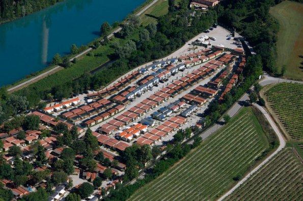 """Valeggio sul Mincio, camping con """"case mobili"""""""