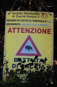 """cartello """"attenzione caccia al cinghiale"""""""