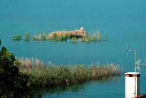 Lago d'Iseo, capanno di caccia galleggiante