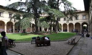 Firenze, Piazza Brunelleschi, Chiostro