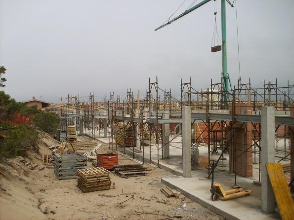 Badesi, cantiere edilizio in area dunale (maggio 2013)