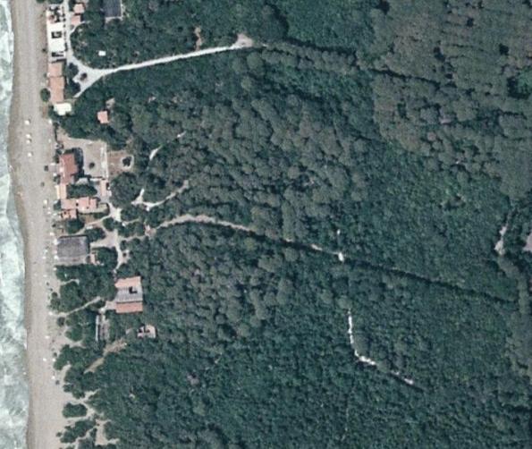 """Castagneto Carducci, Donoratico, il Cantiere navale prima della """"ristrutturazione"""" (da Bing Maps)"""