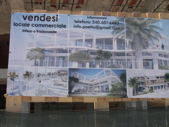 Cagliari, Poetto, cartello vendita immobili