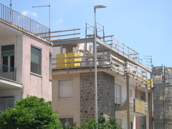 Cagliari, Poetto, sopraelevazione immobile grazie al c.d. piano per l'edilizia