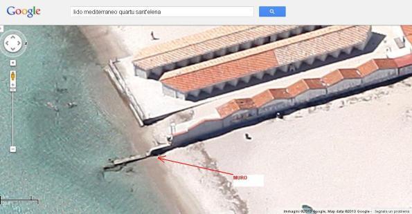 Quartu S. Elena, Poetto, recinzioni sulla spiaggia e nel mare (da Google)