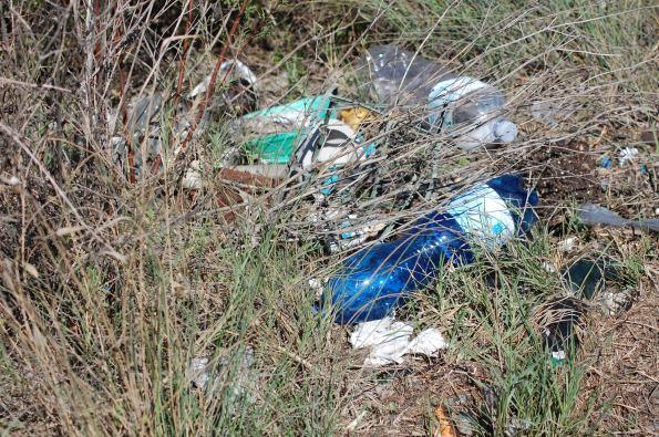 Cagliari, Saline di Molentargius, scarico incontrollato di rifiuti (da dove sono state fatte le fotografie)
