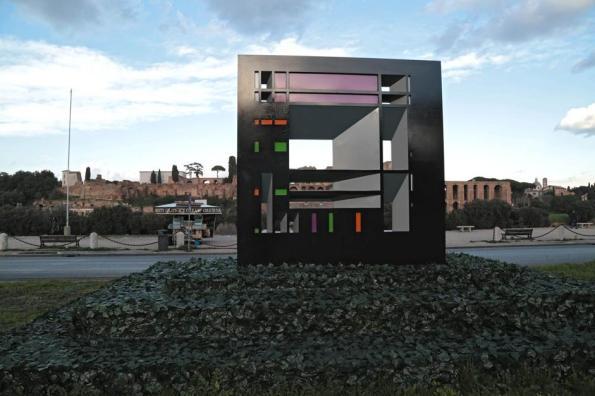 "Roma, Circo Massimo, ""monumento"" abusivo"