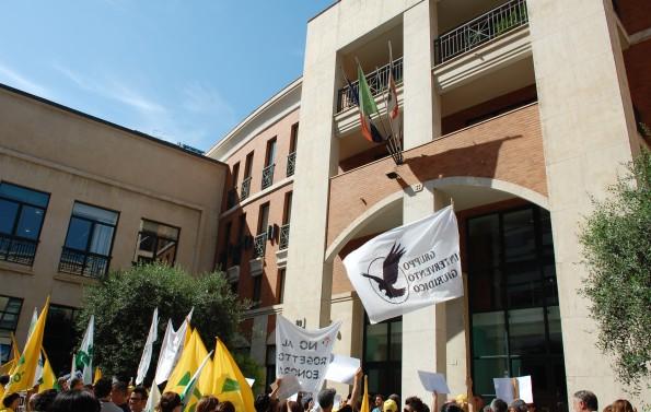 """Cagliari, manifestazione contro il """"progetto Eleonora"""" (29 luglio 2014)"""