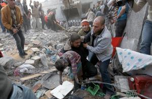 Gaza, bambino vittima dei bombardamenti israeliani
