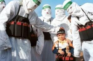 """""""candidati al martirio"""" in una manifestazione di Hamas"""