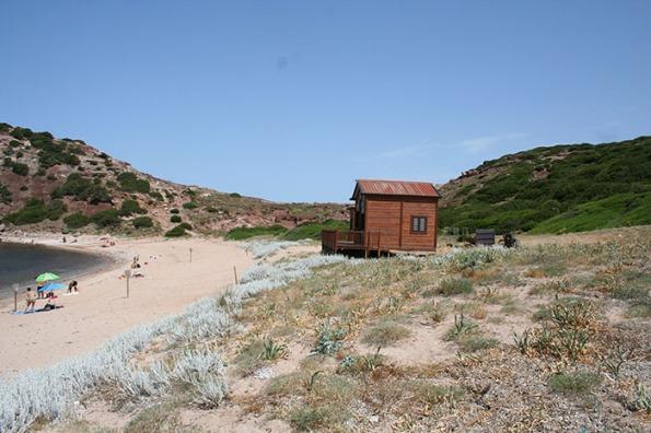 Alghero, Il Porticciolo, chioschi temporanei in area dunale (giugno 2014)