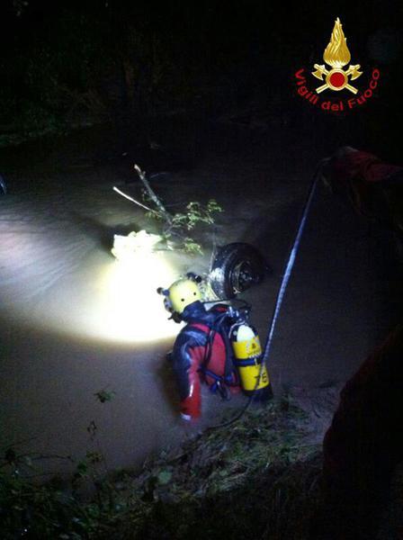 Bomba acqua trevigiano: vf, ispezionate auto travolte, vuote