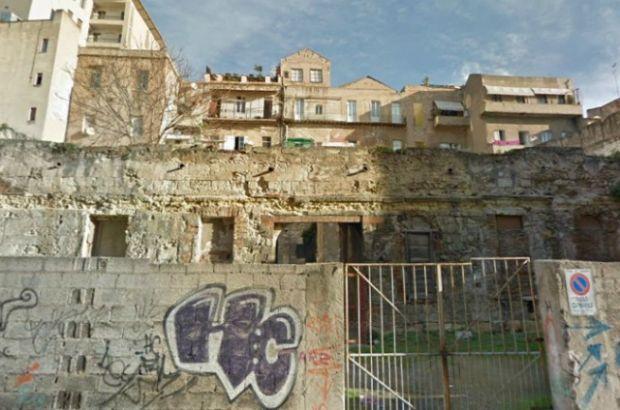 Cagliari, ruderi del Chiostro di San Francesco di Stampace (da http://letteredacagliari.wordpress.com)