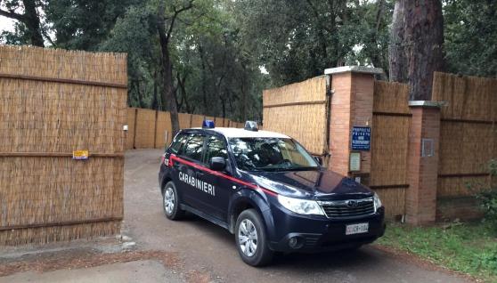 """Castagneto Carducci, Marina di Castagneto, i Carabinieri eseguono il sequestro preventivo del complesso turistico """"Paradù"""" (4 dicembre 2014)"""