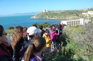 """Cagliari, la I A della Scuola Media """"V. Alfieri"""" sul sentiero naturalistico e archeologico della Sella del Diavolo"""