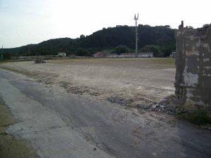 """Carloforte, demolizione parziale dello Stadio comunale """"Pino Solitario"""" (aprile 2015)"""