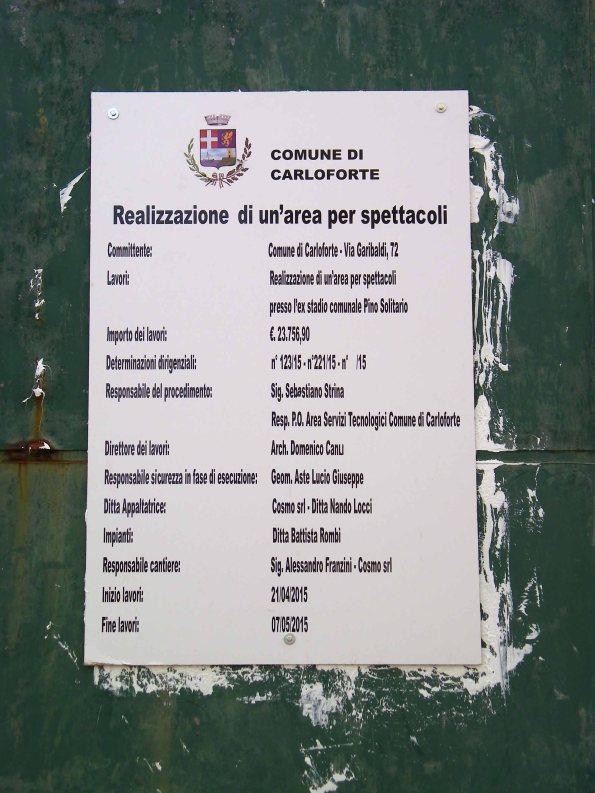 """Carloforte, demolizione parziale dello Stadio comunale """"Pino Solitario"""", cartello """"inizio lavori"""""""