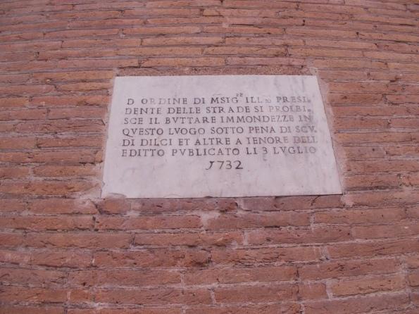 """Roma, divieto """"storico"""" di scarico immondizie"""