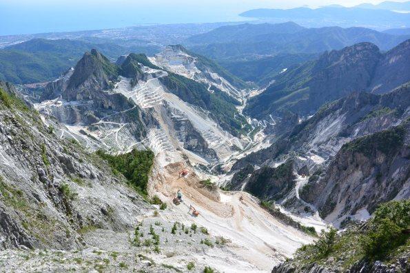 Carrara, bacino estrattivo Torano