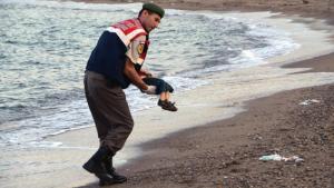 Bodrum (Turchia), Aylan, bambino annegato in fuga dalla guerra