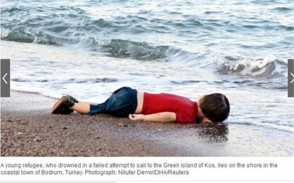 Bodrum (Turchia), Aylan, bambino annegato in fuga dalla guerra (foto Reuters)