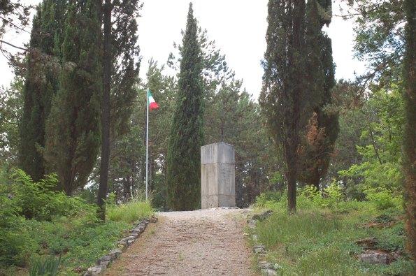 Monfalcone, Quota 85, Monumento a Enrico Toti