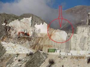 Alpi Apuane, come le cave di marmo stravolgono la morfologia della montagna: DOPO