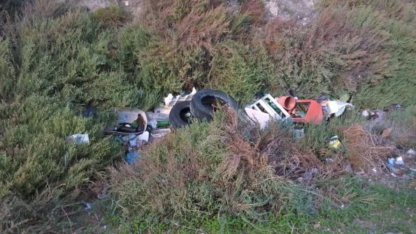 Quartu S. Elena, canale circondariale delle Saline, scarichi illeciti di rifiuti