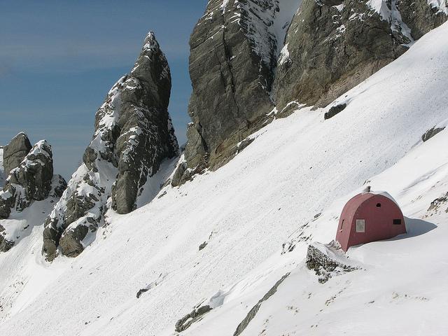Alpi Apuane, il bivacco Aronte e Punta Carina