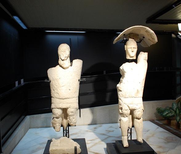 Cagliari, Museo Archeologico Nazionale, i Giganti di Monte Prama, pugilatori