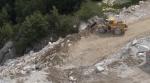 Alpi Apuane, Cava Fratteta, scarico detriti (luglio2016)