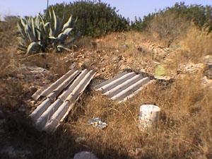 Alghero, strada vicinale S. Agostino, abbandono di rifiuti