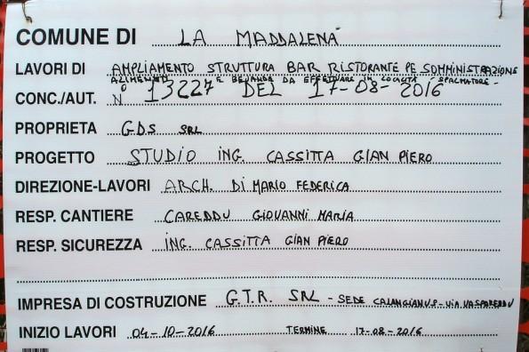 """La Maddalena,. Spalmatore, cantiere edilizio, cartello """"inizio lavori"""""""
