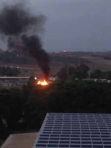 Cagliari, S. S. n. 554, campo nomadi abusivo, incendio di rifiuti (6 novembre 2016)