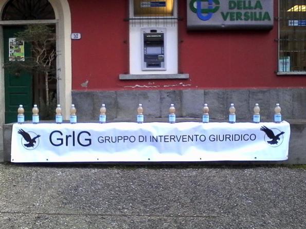 Pontestazzemese, manifestazione GrIG Apuane in occasione di riunione dei sindaci del Parco naturale regionale delle Alpi Apuane (10 gennaio 2017)