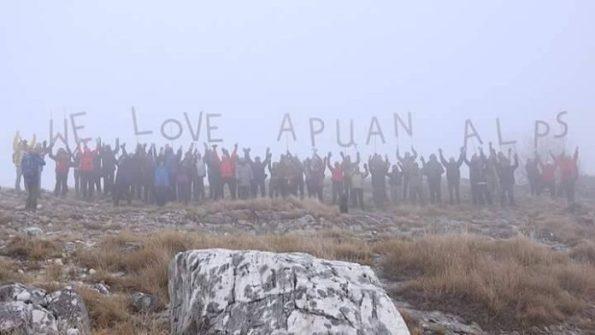 Alpi Apuane, Sagro, manifestazione sotto la neve (genn. 2017)