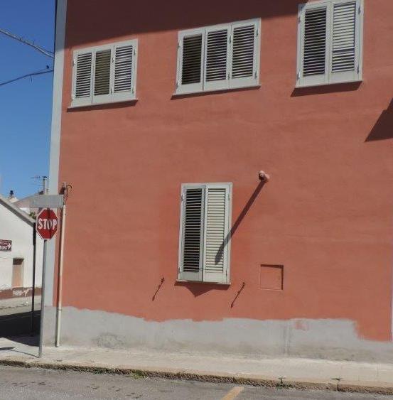 Ploaghe canna fumaria rit. Via Fiume 9 ( lato Via Roma)